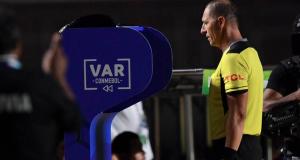 El VAR y su influencia psicológica en el fútbol